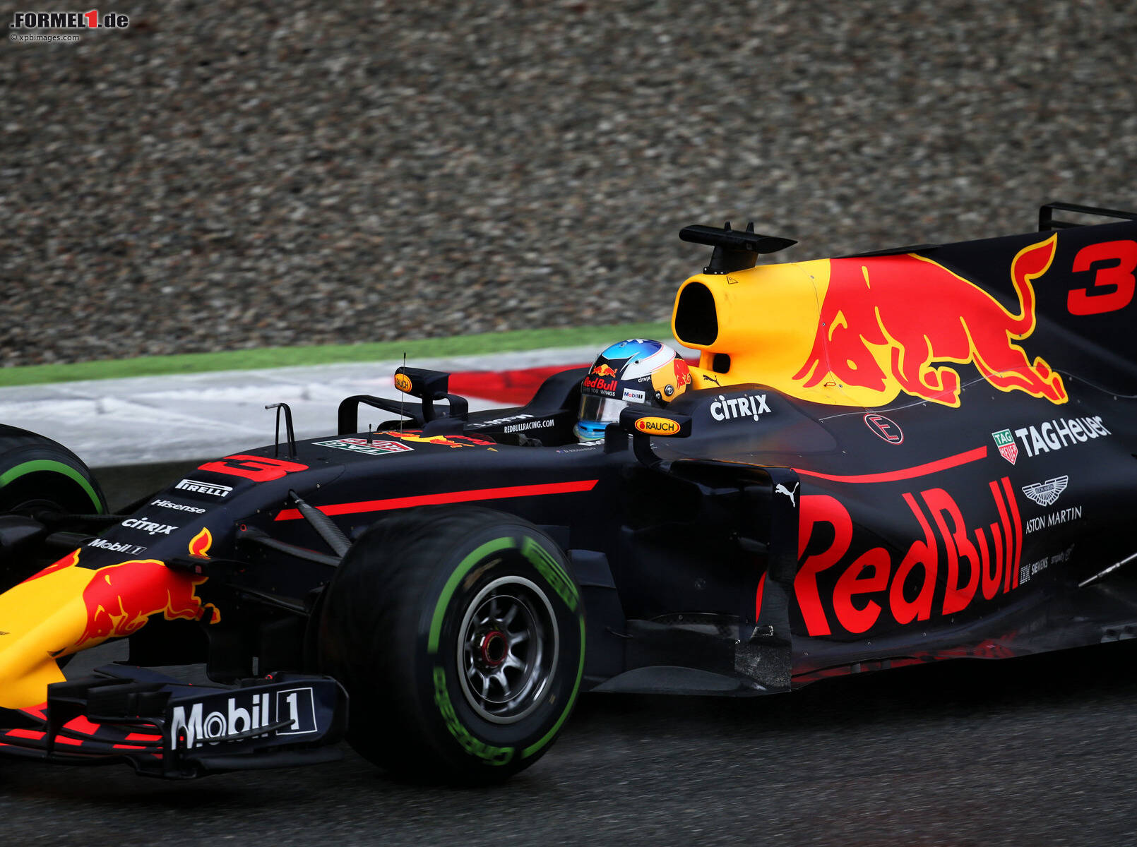 formel 1 2018 red bull muss zulegen um ricciardo zu halten. Black Bedroom Furniture Sets. Home Design Ideas