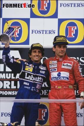 Alain Prost und Ayrton Senna schlossen Ende 1993 Frieden. Jetzt durch die besten Bilder von Sennas Karriere und der Rivalität der beiden klicken!