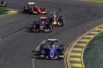 Felipe Nasr (Sauber), Carlos Sainz jun. (Toro Rosso), Daniel Ricciardo (Red Bull) und Kimi Räikkönen (Ferrari)