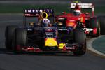 Daniel Ricciardo (Red Bull) und Kimi Räikkönen (Ferrari)