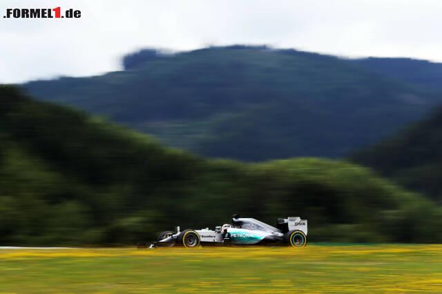 Lewis Hamilton sicherte sich in einem kuriosen Qualifying die Pole-Position - obwohl er sich auf dem letzten Versuch in der ersten Kurve drehte, während...