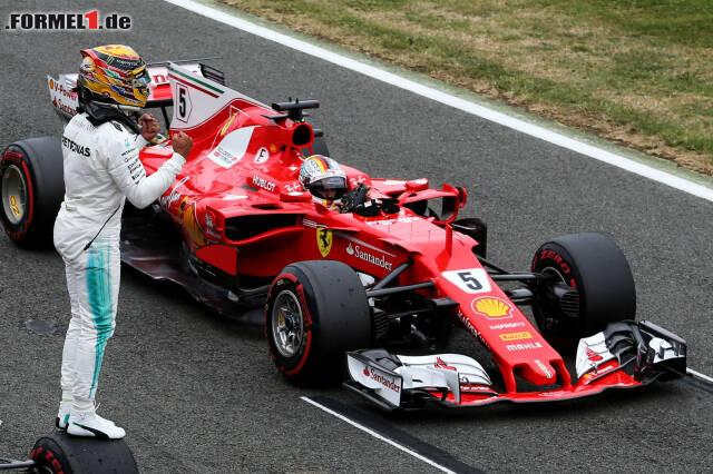Hamilton jubelt, Vettel leckt seine Wunden. Jetzt durch die Bilder der möglichen WM-Trendwende in Silverstone klicken!