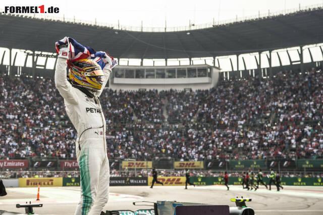 Weltmeister: Lewis Hamilton hat nun auch sein Vorbild Ayrton Senna überholt. Klicken Sie sich jetzt durch die 15 besten Fotos des Rennens!