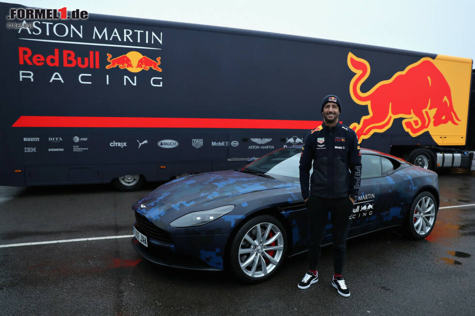 Fotos Roll Out Red Bull Rb14 Foto 11 16