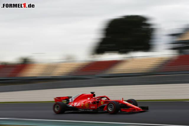 Sebastian Vettel schlägt mit einer überragenden Bestzeit zurück. Jetzt durch die Technik-Updates von Mittwoch klicken!