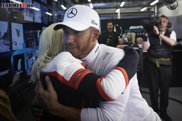 Christina Aguilera und Lewis Hamilton beim Grand Prix in Baku 2018. Jetzt durch die Fotos von Aguileras Besuch bei der Formel 1 klicken!