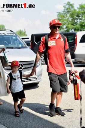 Kimi Räikkönen mit Sohn Robin (Ferrari)