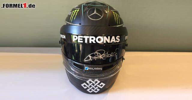 Signierte 1:1-Replika von Nico Rosbergs Weltmeister-Rennhelm