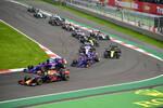 Max Verstappen (Red Bull), Daniil Kwjat (Toro Rosso), Pierre Gasly (Toro Rosso) und Daniel Ricciardo (Renault)