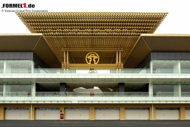 Das neue Boxengebäude in Hanoi wurde von berühmten Gebäuden der Stadt inspiriert. Nachfolgend weitere Impressionen von der neuen Rennstrecke ...