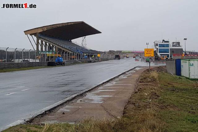 Zandvoort nimmt Formen an: Im Februar soll die Renovierung abgeschlossen sein. Derzeit sieht die Rennstrecke noch so aus ...
