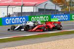 Nicholas Latifi (Williams) und Sebastian Vettel (Ferrari)