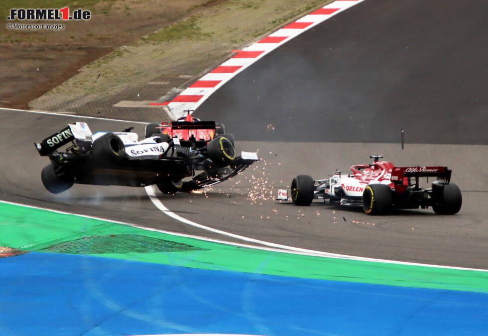 George Russell (Williams) und Kimi Räikkönen (Alfa Romeo)