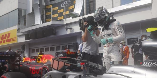 Nico Rosberg behält Pole