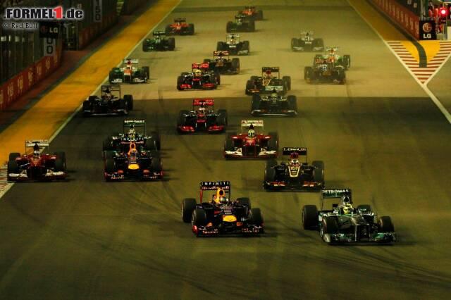 """Marca (Spanien): """"Alonso voller Meriten, Vettel tadellos. Alonso holt vom siebten auf den zweiten Platz auf mit einem Riesenstart und einer guten Strategie. Vettel geht spazieren mit Alonso. Vettel gewinnt das Rennen mit Leichtigkeit und schließt die WM ab."""""""