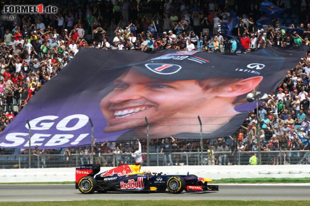 """Sebastian Vettel (Red Bull): """"Die Atmosphäre am Hockenheimring gefällt mir sehr. Schon am Morgen sind die Tribünen gut gefüllt. Und aus dem Auto heraus siehst du immer viele deutscher Fahnen auf den Rängen. Auch bei der Autogrammstunde ist immer viel los. Es sind diese kleinen Dinge, die mir an Hockenheim gefallen. Wir erfahren dort sehr viel Unterstützung. Schon beim Training merkst du, dass die Fans nur da sind, um dich anzufeuern. Sie halten zu dir, was auch immer passiert. Natürlich willst du ihnen daher auch etwas zurückgeben. Doch manchmal liegt das nicht in deinen Händen. Wir werden am Wochenende attackieren und versuchen, alles für unsere Fans zu erreichen."""""""