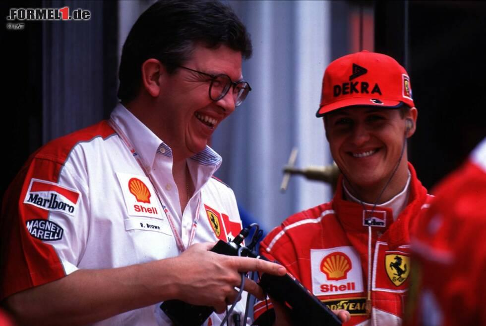Für die Saison 1997 rüstet Ferrari auf: Ross Brawn, der Schumacher bereits bei Benetton zu seinen zwei Titeln geführt hatte, wechselt als Technischer Direktor zu den Roten. Ein genialer Schachzug, der sich bereits im ersten Jahr auszuzahlen scheint. Schumacher kämpft bis zum letzten Rennen um den Titel und führt die WM vor dem letzten Lauf mit einem Punkt vor Jacques Villeneuve an.