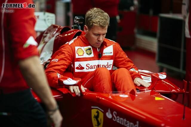 Ein Kindheitstraum wird wahr: Sebastian Vettel fährt ab 2015 für die Scuderia Ferrari - und so wird er im roten Overall der Scuderia aussehen. Eine Transfersensation, die zwar so kurzfristig überraschend kommt, sich aber hinter den Kulissen schon lange abgezeichnet hat. Wir zeichnen Vettels Weg zu Ferrari in 25 Schritten chronologisch nach.