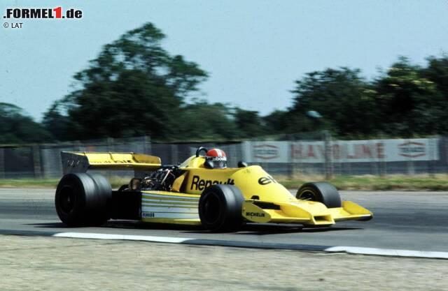Grand Prix von Großbritannien 1977 in Silverstone: Mit Jean-Pierre Jabouille gibt der französische Automobilhersteller Renault sein Formel-1-Debüt. Es handelt sich um einen Werkseinsatz mit zunächst einem Boliden. Beim Debüt startet Jabouille von Position 21, fällt im Rennen aber aufgrund eines defekten Turboladers aus. Auch bei vier weiteren Starts in der Saison 1977 sieht der gelbe Renault RS01 die Zielflagge nicht.