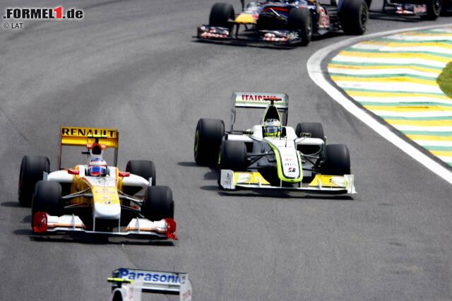 #11: Brasilien 2009. Wegen überhitzender Hinterreifen qualifizierte sich Button an 14. Stelle, während Teamkollege Rubens Barrichello auf Pole-Position stand. Aber Button fuhr ein blitzsauberes Rennen mit tollen Überholmanövern. Barrichellos Reifenschaden wäre wohl nicht nötig gewesen, um seinen ersten und einzigen WM-Titel zu fixieren.