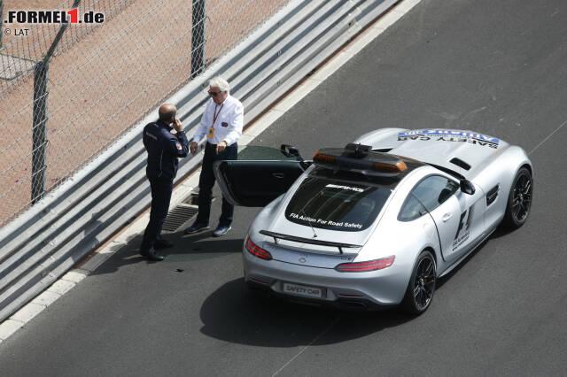 Das Wochenende beginnt mit einer Schrecksekunde: Nico Rosberg wirbelt am Donnerstag einen Gullydeckel auf, der Jenson Buttons Frontflügel kaputt schlägt. Nicht auszudenken, was passieren kann, wenn das Stahlteil den Kopf eines Fahrers trifft! Die Rufe nach einem Cockpitschutz werden immer lauter.
