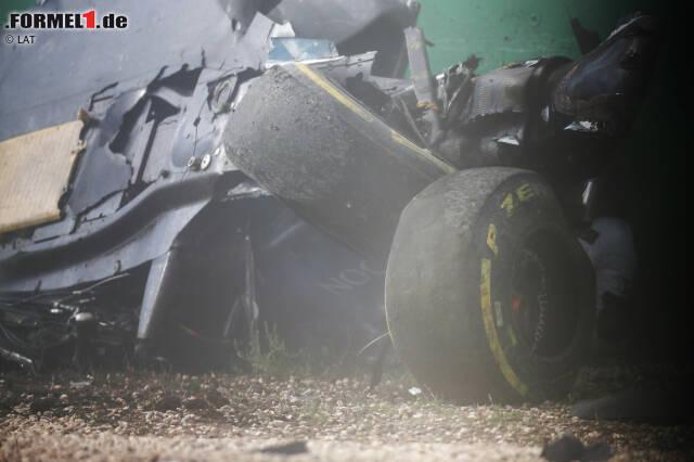 """... ebenso wie die Pechsträhne von Fernando Alonso: Kollision mit Haas-Fahrer Esteban Gutierrez, Überschlag bei Kurve 3. """"Ich habe nur den Sicherheitsmaßnahmen der FIA zu verdanken, dass ich noch am Leben bin"""", sagt er. Besonders schön: Zwischen den beiden gibt es hinterher keine Diskussionen, sondern eine Umarmung."""