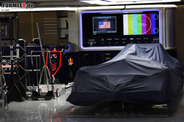 Red Bull fährt in der Saison 2016 nicht mit Schweizer Luxusuhren im Heck, sondern wie gewohnt mit einem Hybridmotor und Renault-Power. Das hält die Österreicher nicht davon ab, die Antriebe des jüngst in Ungnade gefallenen Lieblingspartners nach dem neuen Premiumsponsor TAG Heuer zu benennen. Was nach einer Schnapsidee klingt, gab es in der Formel schon häufig. Wir haben unsere Datenbank bemüht und entlarven die Motoren-Mogelpackungen der Königsklasse.