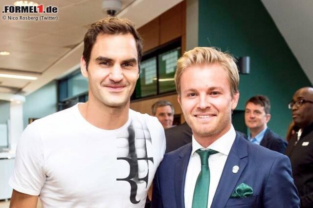 """Nico Rosberg arbeitet an seiner """"Bucket-List"""". Einen Punkt kann er nun abhaken: Roger Federer in Wimbledon spielen sehen. """"Sein Halbfinale miterlebt zu haben, ist für mich etwas ganz Besonderes. Wenn der spielt, ist das wie eine Sinfonie"""", schwärmt der Weltmeister, zum zweiten Mal nach Monaco bei der Formel 1 zu Gast."""