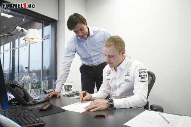 In der Formel 1 unterzeichnen die Piloten millionenschwere Verträge. Um wie viel Geld es genau geht, bleibt oft geheim. Wir haben herausgefunden, wer in der Saison 2017 welches Gehalt (ohne Prämien) bekommt und wie lange die Teams ihre Fahrer gebunden haben.