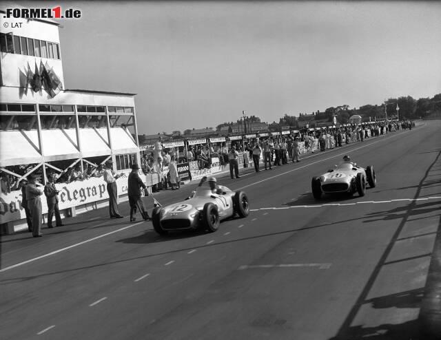 Platz 10: Die Mercedes-Asse Stirling Moss und Juan Manuel Fangio machen in der Saison 1955 gleich zwei Grands Prix mit 0,200 Sekunden Unterschied unter sich aus. Sein Heimspiel in Aintree (im Bild) gewinnt der Brite, im niederländischen Zandvoort ist der Silberpfeil des Argentiniers hauchdünn vorne.