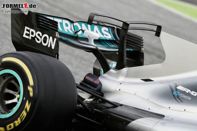 """Die sogenannten """"T-Flügel"""" machen die Formel-1-Saison 2017 für viele Fans zur optischen Qual. Die zusätzlichen Elemente, wie dieser """"Kleiderständer"""" am Mercedes W08, ziehen die ansonsten gelungene neue Autogeneration ziemlich nach unten. Ein Blick in die Vergangenheit zeigt jedoch: Es könnte alles noch viel schlimmer sein ..."""