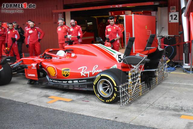 Sebastian Vettel und Ferrari fuhren am SF71H einen gewaltigen Sensoren-Aufbau am Heck des Fahrzeugs spazieren, um Erkenntnisse über die sensible Aerodynamik in diesem Bereich zu gewinnen. Interessant ist vor allem der Aufbau mit jeweils drei Pitotröhren über dem Heckflügel, der zur Geschwindigkeitsmessung dient.