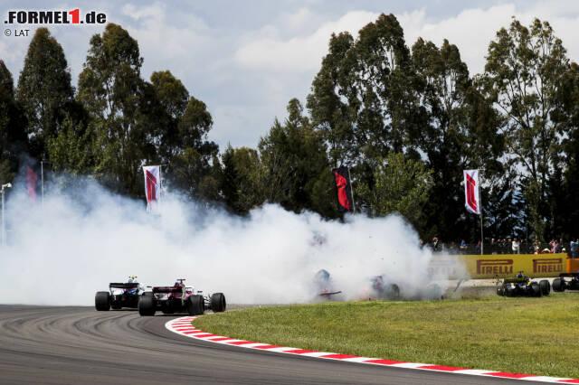 """Romain Grosjean (6): Schon am Ende von Q2 hat Grosjean einen Fehler gemacht, durch den er in Q3 nicht mehr attackieren konnte. Und der Crash in Kurve 3 war - hart gesagt - sein zweiter """"Brain-Fade"""" in zwei Wochen. Es scheint, als falle der Haas-Pilot in alte Muster aus seiner ungestümen Lotus-Zeit zurück."""
