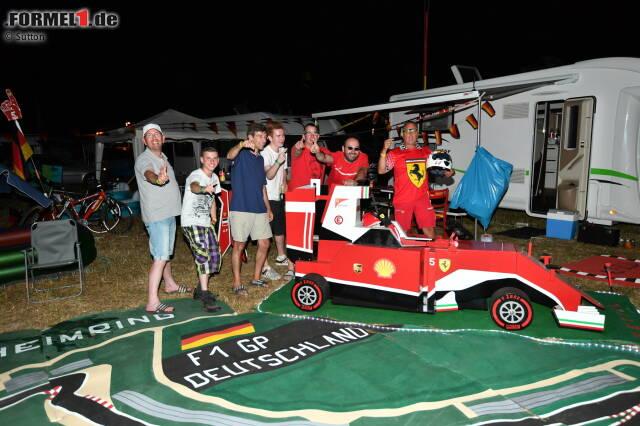 Nichts könnte charakteristischer für die Formel 1 in Hockenheim sein als der Geruch von Holzkohle und das Schnalzen von Dosenbier-Verschlüssen auf einem Campingplatz ...