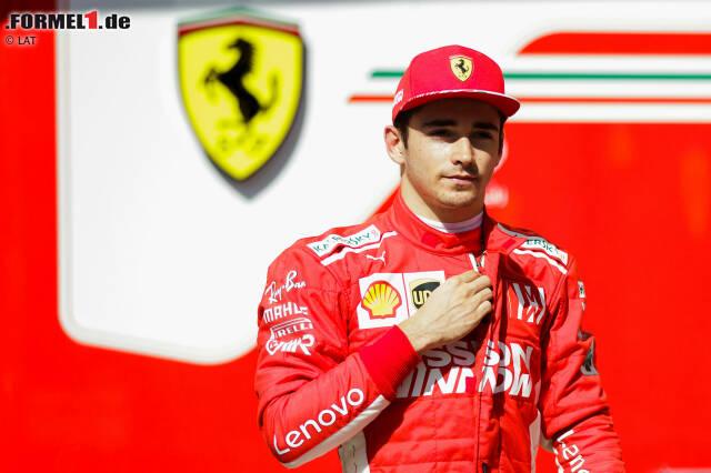 Eines von vielen ungewohnten Outfits bei den Testfahrten in Abu Dhabi, das in der Formel-1-Saison 2019 zur Regel wird: Der frisch gebackene Ferrari-Pilot Charles Leclerc war schon öfter für die Scuderia im Einsatz, darf sich nun aber an seinen neuen Overall gewöhnen ...