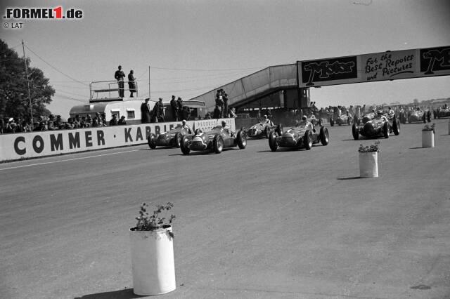 Die Formel-1-Piloten blicken anlässlich des 1.000. Rennens auf die historischen Meilensteine der Königsklasse zurück. Vom Schockmoment 1994 in Imola, über eine Begegnung mit David Coulthard auf der Toilette in Monaco, bis zu Jenson Buttons Triumphfahrt 2011 in Kanada ...