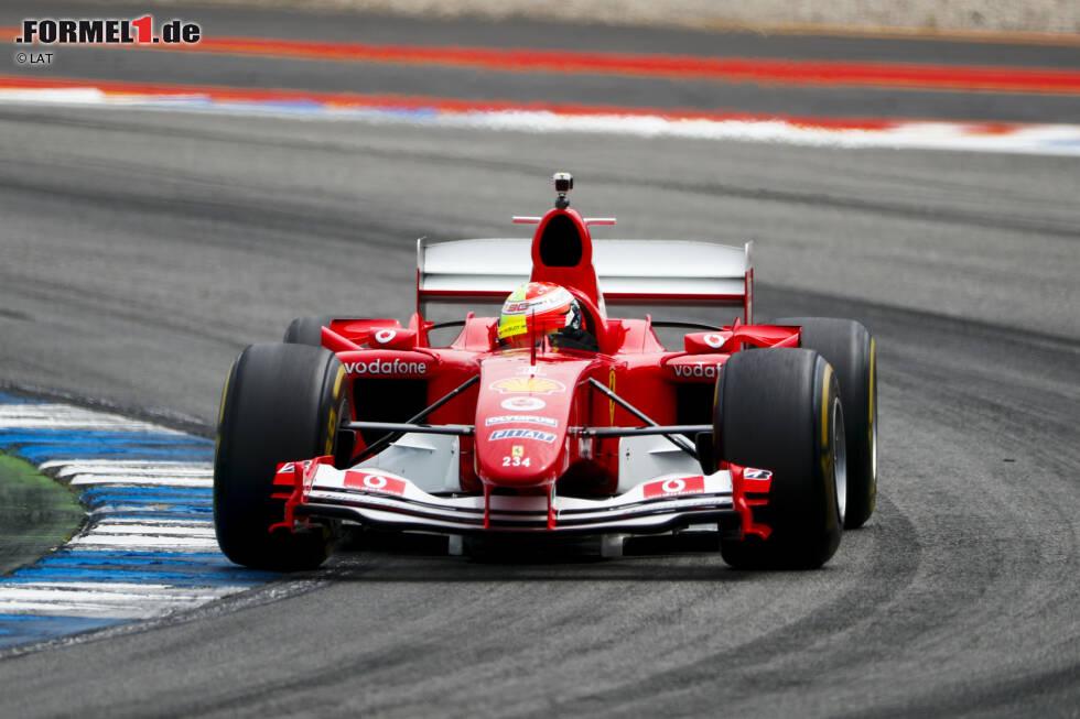 Der F2004 ist das siebte und letzte Weltmeisterauto von Michael Schumacher. Mit diesem Fahrzeug gewann er überlegen die Formel-1-Fahrerwertung 2004.