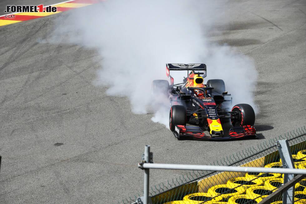 Max Verstappen (4): Erstmal kann man festhalten, dass Räikkönen die Kollision vermeiden hätte können. Aber dem vorangegangen ist der nächste miserable Start. Beim Abflug vor Eau Rouge war der Lokalmatador nur noch Passagier. Wegen Motorenproblemen war es schon davor ein durchwachsenes Wochenende.