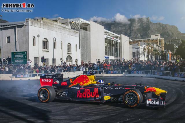 Red Bull hat am ersten Juni-Wochenende einen Showrun abgehalten ...
