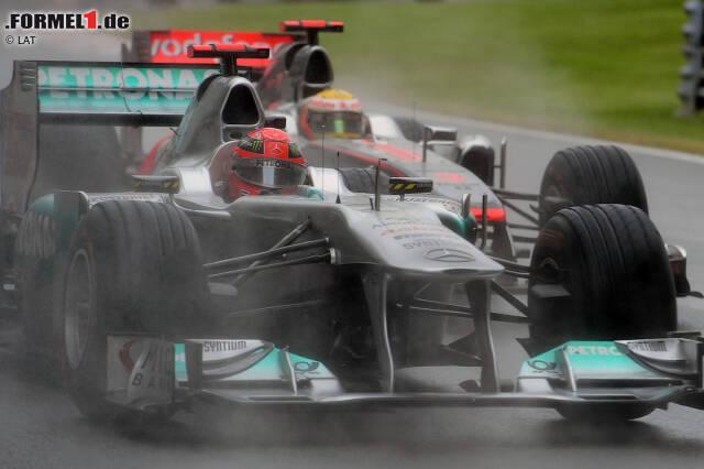 Lewis Hamilton ist bereits jetzt der Pilot mit den meisten WM-Punkten und den meisten Pole-Positions in der Geschichte der Formel 1. Viele Bestmarken hält aber weiterhin Michael Schumacher - noch. Denn in einigen Bereichen könnte Hamilton Schumi in den kommenden Jahren überflügeln ...