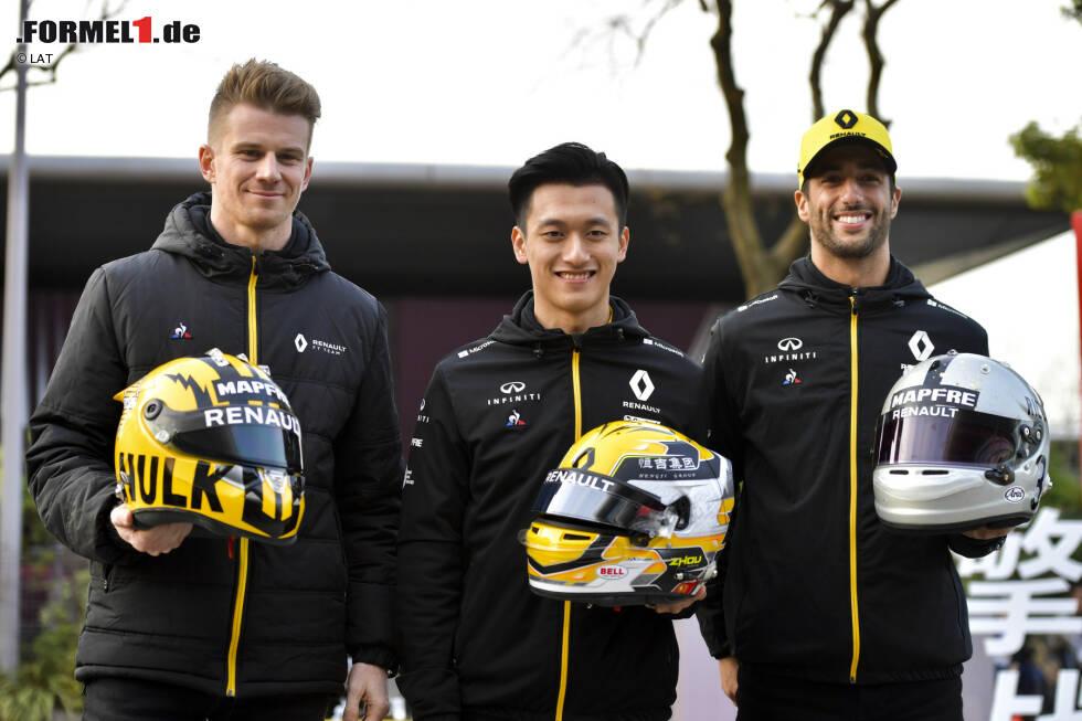 Die Formel-1-Piloten haben sich für das 1.000. Rennen im Rahmen der Formel-1-Weltmeisterschaft etwas ganz Besonderes einfallen lassen. Einige von ihnen fahren in China mit einem speziellen Helmdesign ...