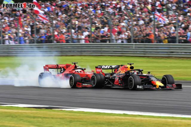 Runde 37 beim Formel-1-Rennen von Silverstone: Max Verstappen überholt Sebastian Vettel in der Stowe-Kuve und setzt sich vor den Ferrari. Der will kontern, doch das geht schief!