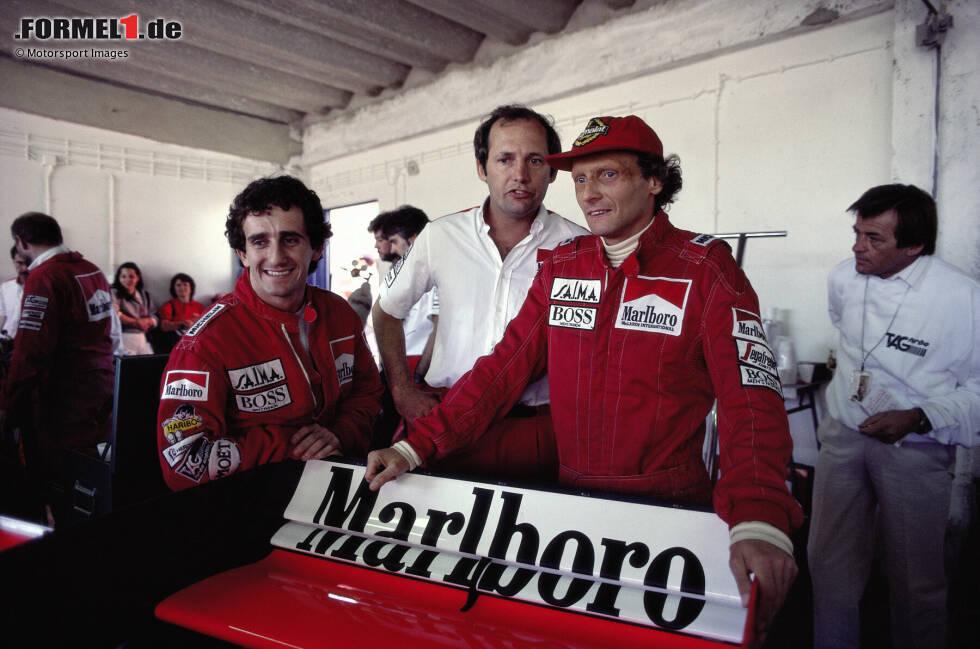 Drei Jahre später erfolgt ein Sinneswandel. Auch weil er Geld für seine Fluglinie braucht, kehrt Lauda mit McLaren in die Formel 1 zurück. Gleich im dritten Rennen nach seinem Comeback gewinnt er in Long Beach, 1984 krönt Lauda seine Karriere mit dem dritten WM-Titel - und hängt Ende 1985 den Formel-1-Helm endgültig an den Nagel.