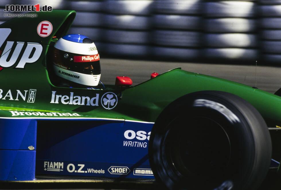 Formel-1-Debüt: Schumacher ist bei seinem ersten Rennen 1991 in Spa-Francorchamps 22 Jahre und 234 Tage alt und fällt für Jordan mit technischem Defekt schon nach wenigen Metern aus. Hamilton dagegen ...