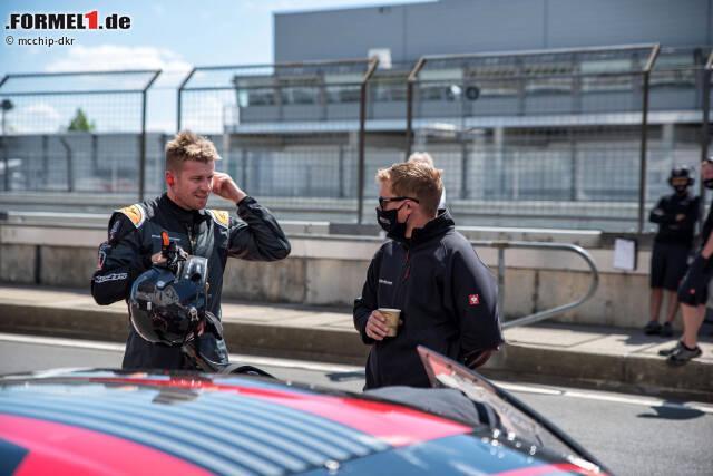 Nico Hülkenberg (links) testet auf dem Nürburgring für das Team mcchip-dkr, das bis Ende 2019 den Lamborghini auf der Nürburgring-Nordschleife eingesetzt hat