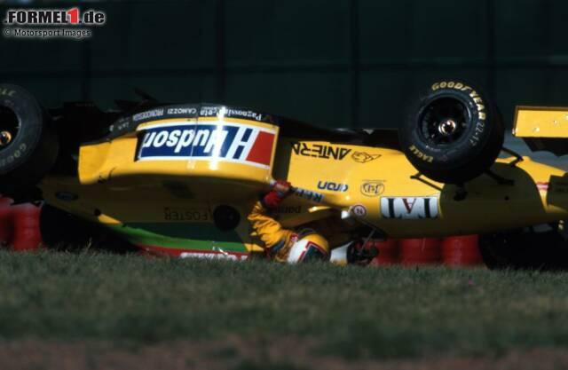 #10 Forti: Zwei Jahre lang ist Forti Teil der Formel-1-Geschichte, einen Eintrag in die Punkteliste gelingt dem Team aber nie. 1995 kann sich der Rennstall zwar für alle Grands Prix qualifizieren, das ist aber bereits der größte Erfolg der italienischen Mannschaft, die bis dahin in Nachwuchsserien unterwegs ist.