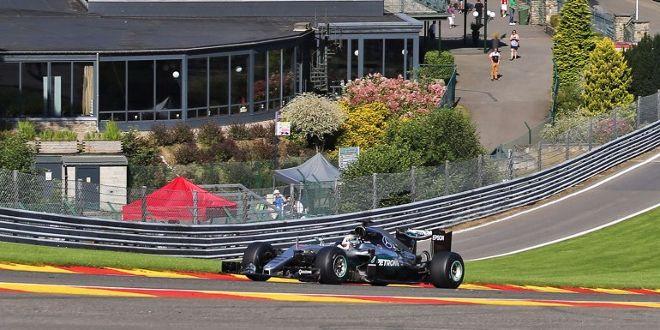 Hamilton verliert 15 Plätze