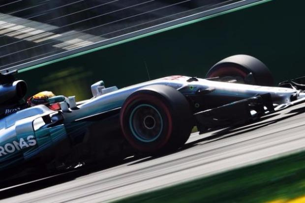 Hamilton in Baku vorn: Mit 66. Pole Position jetzt vor Senna