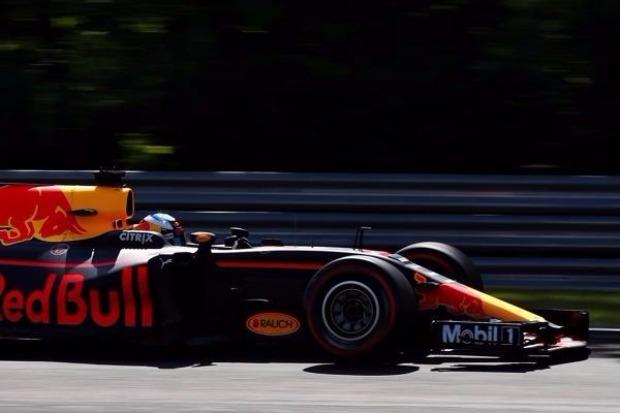 Vettel erobert Pole Position in Ungarn